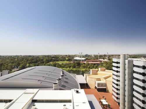 Oaks horizons accommodation in adelaide best prices for 195 north terrace adelaide