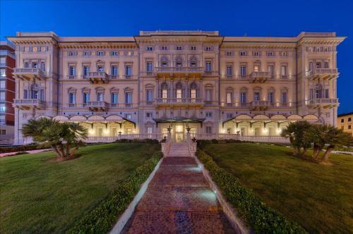 5 starts hotel in Livorno