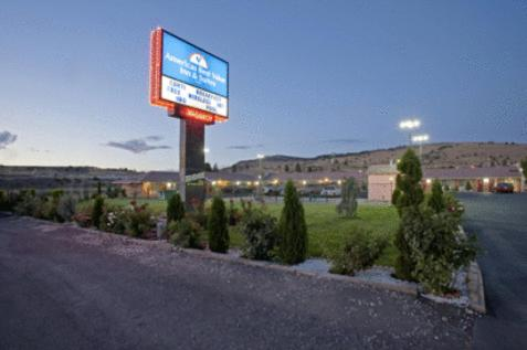 Photo of America's Best Value Inn & Suites Klamath Falls Hotel Bed and Breakfast Accommodation in Klamath Falls Oregon