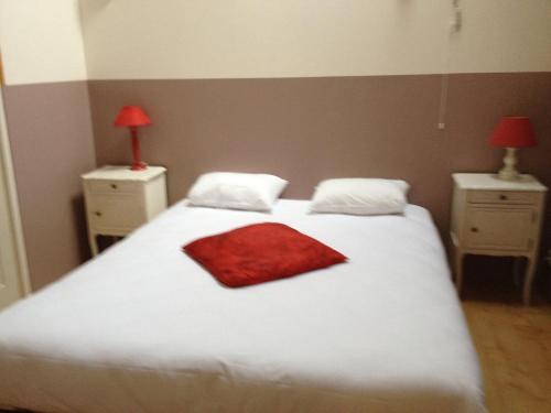 residences de chartres location saisonni re 4 rue du frou 28000 chartres adresse horaire. Black Bedroom Furniture Sets. Home Design Ideas
