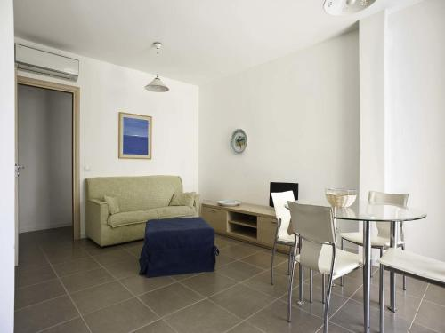 Apartment Ispica mit 2 Schlafzimmern - 1. Etage mit Terrasse  (Ispica Two-Bedroom Apartment-First Floor with Terrace	)
