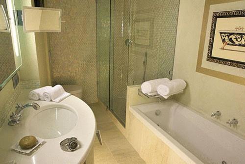 Deluxe Doppelzimmer Hotel Sa Calma 8