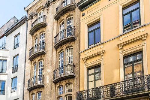 Jourdan Halldis Apartments