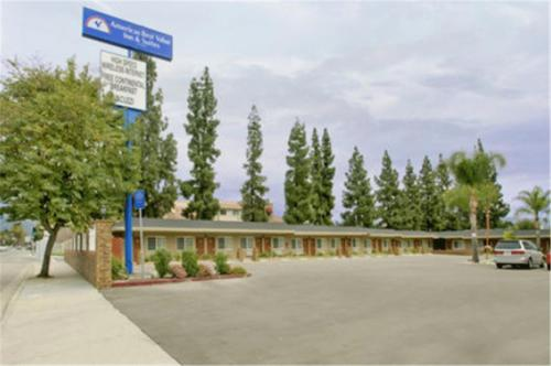 Photo of America's Best Value Inn San Bernardino Hotel Bed and Breakfast Accommodation in San Bernardino California