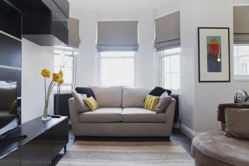 Chic Luxury Tower Bridge Apartment