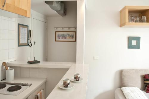 Lepic Apartment Paris
