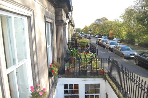 Hotels Near Omni Centre Edinburgh