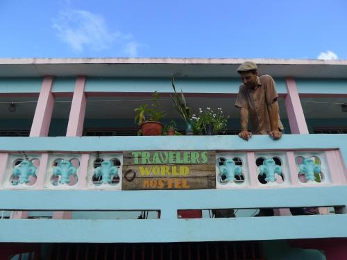 Travelers World Hostel And Guesthouse