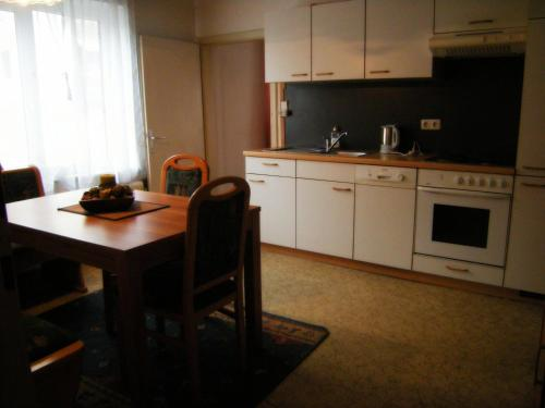 Two-Bedroom Apartment with Balcony  (3 Adults)