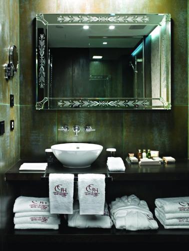 Standard Doppel- oder Zweibettzimmer Hotel Castillo de Gorraiz Golf & Spa 4