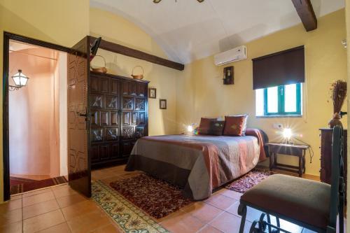 Habitación Doble - 1 o 2 camas Hacienda el Santiscal 4