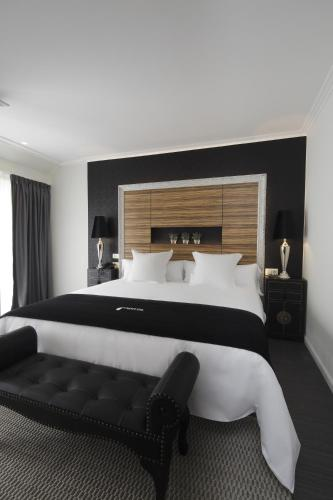 Superior King Room Capitol Boutique Hotel 15