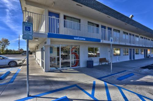 Picture of Motel 6 Flagstaff - Butler Avenue