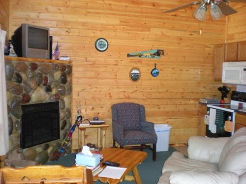 Horseshoe Bay Lodge