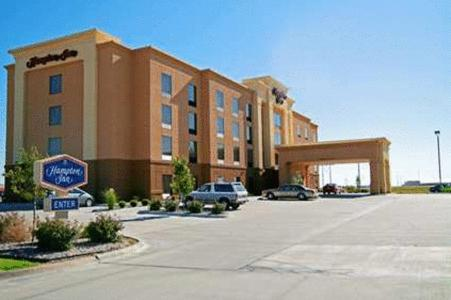 Hampton Inn Hays-North of I-70 - 5.0 star rating for travel with kids