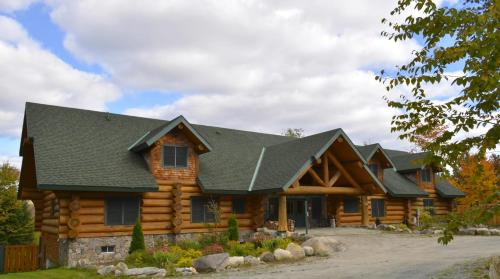 Bear Mountain Lodge B&b