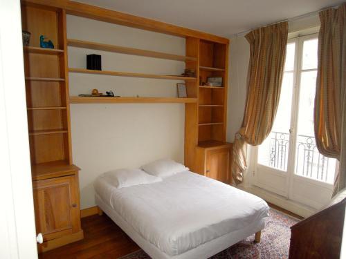 Universite Apartment