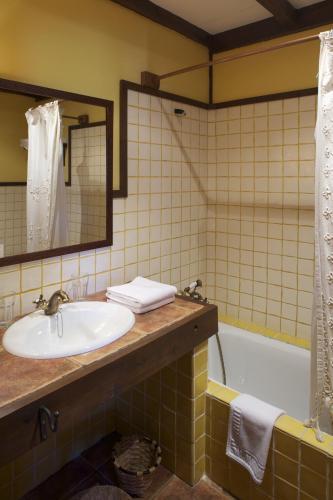 Habitación Doble Clásica - 1 o 2 camas La Corte de Lugás 5