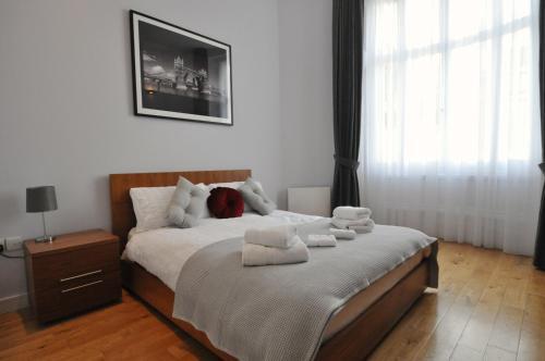 Stunning 3 Bedroom Paddington Apartment