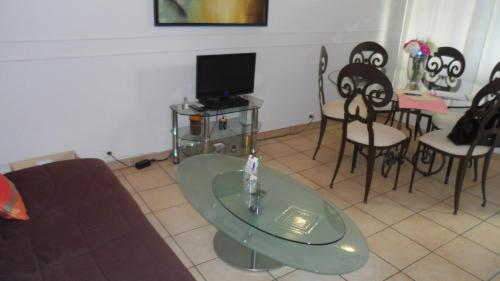 Home Rental Rue Latour Maubourg One Bedroom