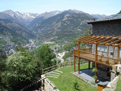 Xalet La Pastorella front view