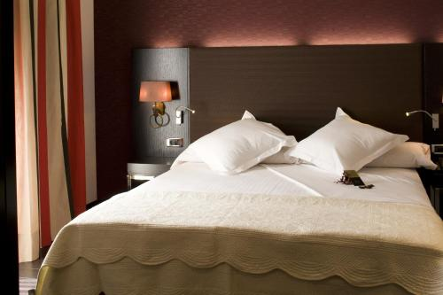 Standard Double or Twin Room Hotel Boutique Gareus 3