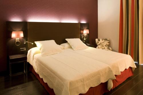 Superior Double or Twin Room Hotel Boutique Gareus 1