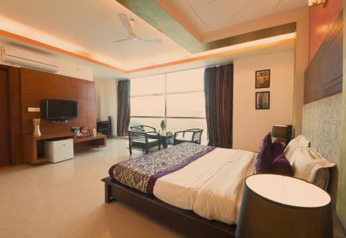 37 HOTEL