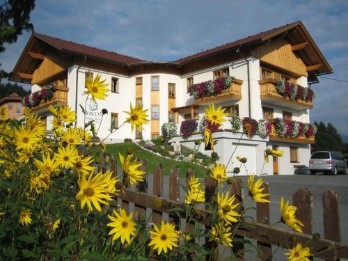 Отель Hotel Pension Kristall 3 звезды Австрия