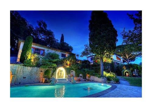 Villa in Alpes Maritimes II