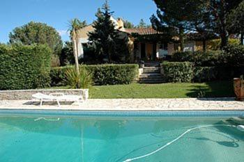 Villa in Corneilhan