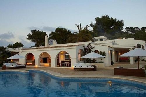 Villa in Es Cubells II