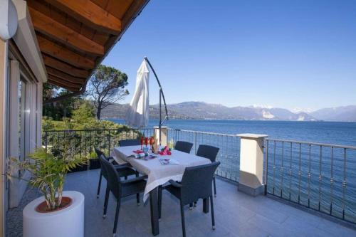 foto Villa in RENO DI LEGGIUNO (Monvalle)