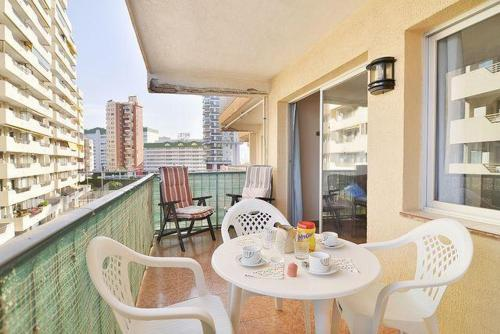Apartment near the beach, with mountain views, in Calpe