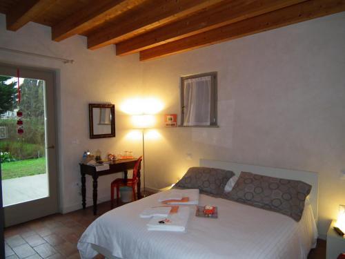 foto L'Isolo Bed and Breakfast (Volta Mantovana)
