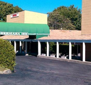 Photo of Americana Inn Farmingdale Hotel Bed and Breakfast Accommodation in Farmingdale New York
