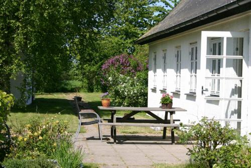 Photo of Holmehuset Bed & Breakfast Hotel Bed and Breakfast Accommodation in Kalundborg N/A