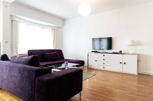 Square Charles Halldis Apartment