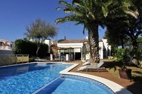 Cheap Hotels In S And Spain Rated By 132000 Travelers Around