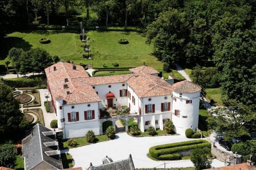 Chateau D' Aiguefonde