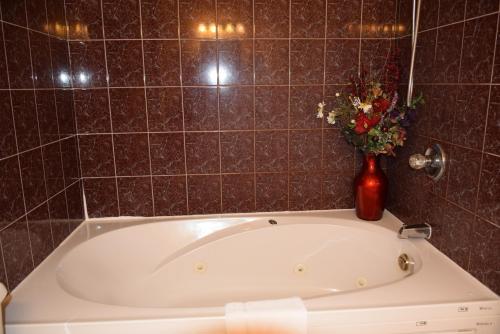 Auberge Wild Rose Inn - Photo 7 of 34