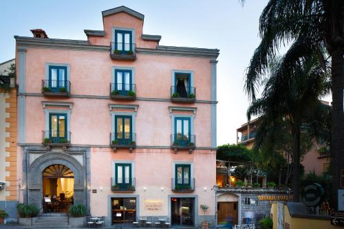 Sorrento b b hotel deals from 6 pp book now for Hotel mignon meuble sorrento italy