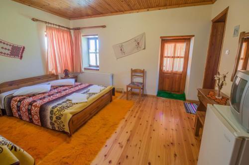 To Petrino Guesthouse