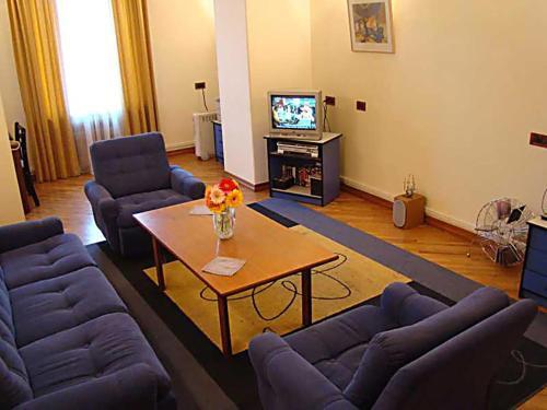 Apartment at Republic Square