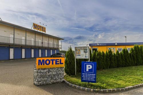 Tour-Motel