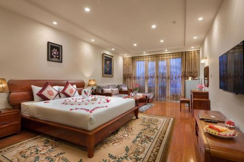 Отель Silk Queen Hotel Hang Gai 3 звезды Вьетнам
