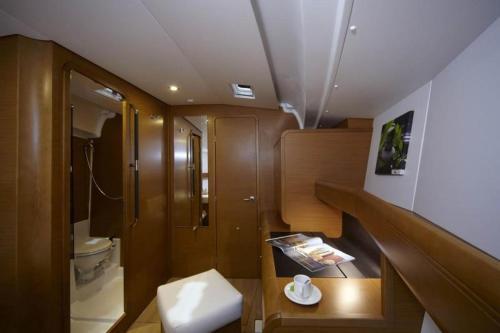 Boat in Trogir (13 metres) 4