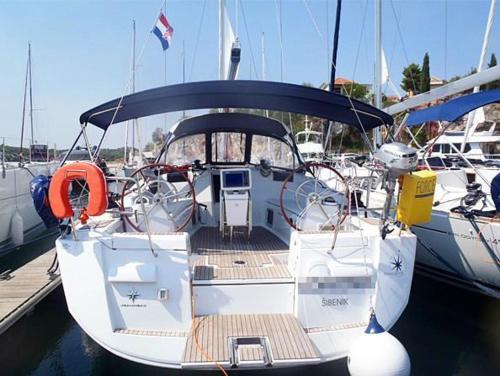 Boat in Trogir (13 metres) 7
