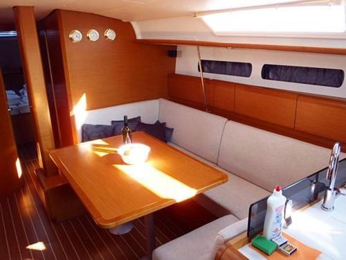 Boat in Trogir (13 metres) 9