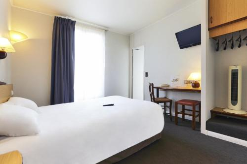 Campanile paris 15 tour eiffel h tel 30 rue saint for Hotels 75015